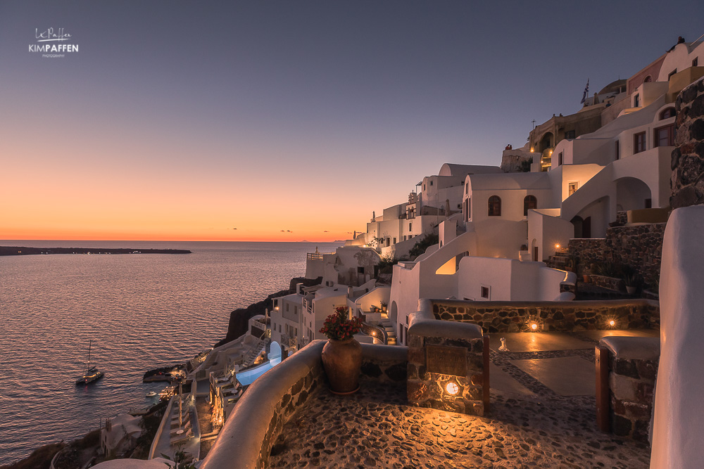 White Side Suites Evening view oia
