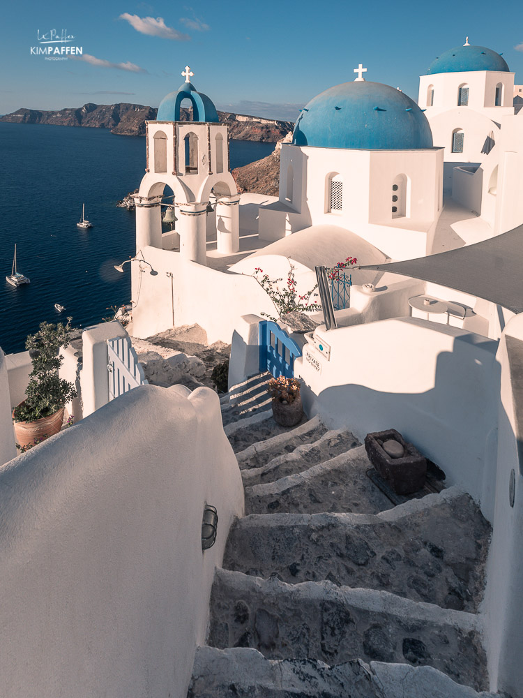 blue domed churches oia