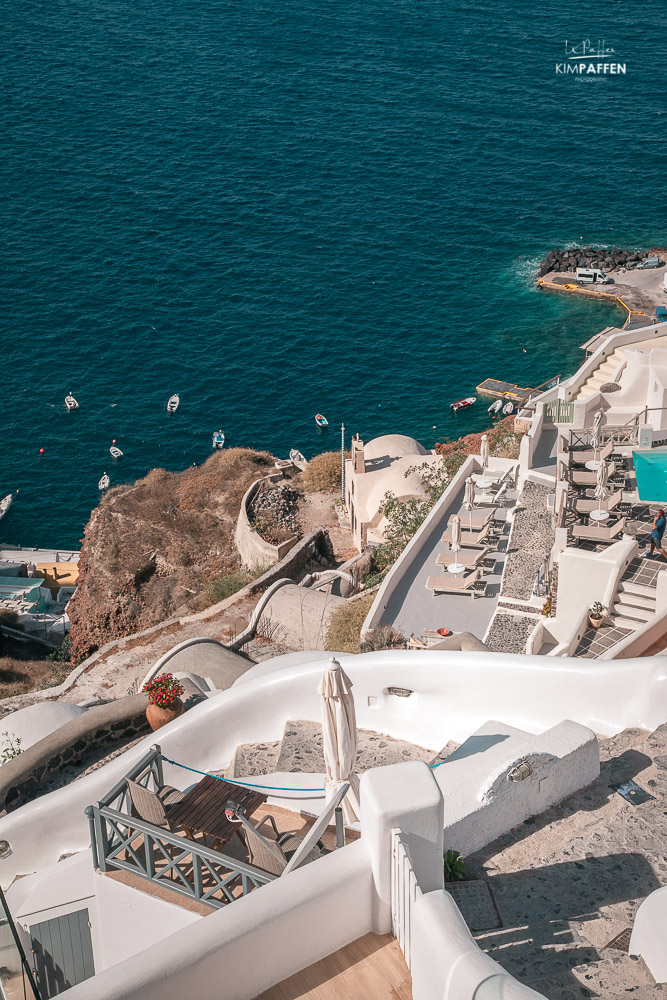 view from white side suites oia