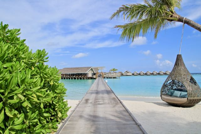 luxury beach resort maldives 12