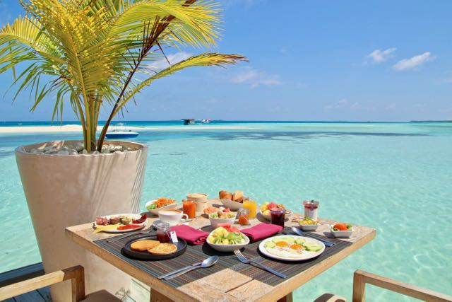 top 10 luxury resorts in maldives restaurant 3