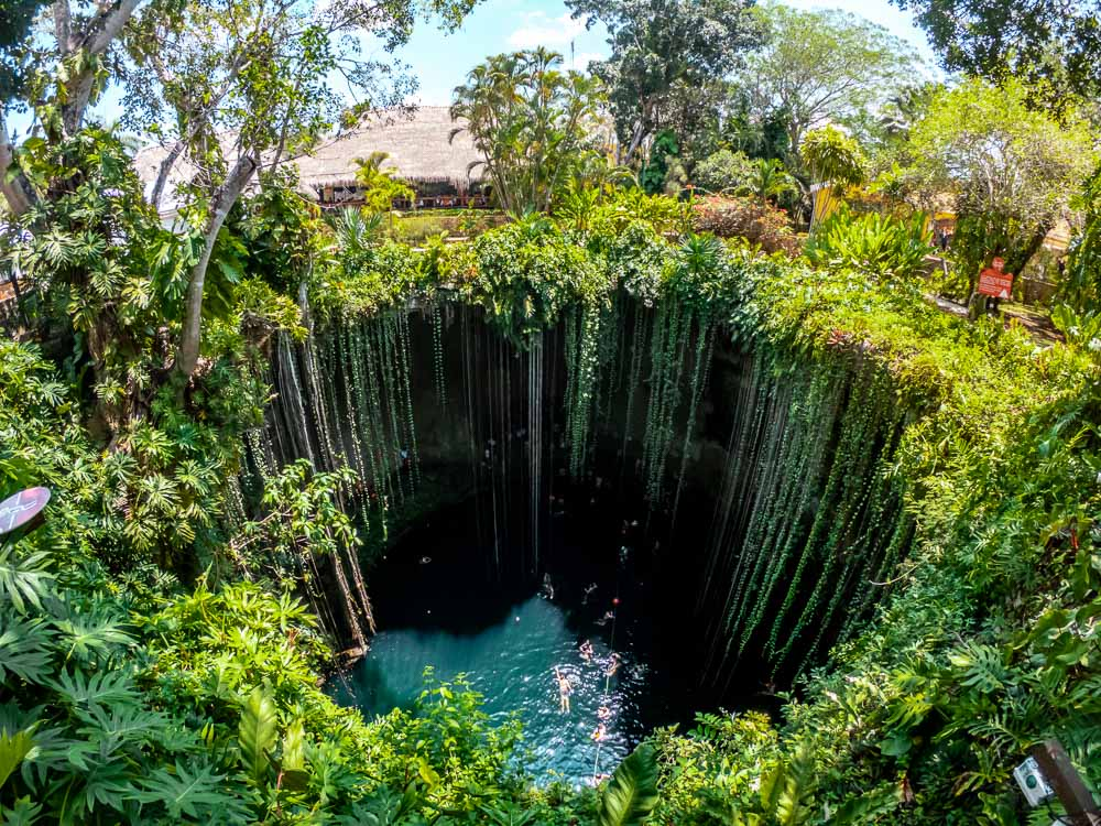View from the top of the cenote ik kil - Photo - Traveltomtom