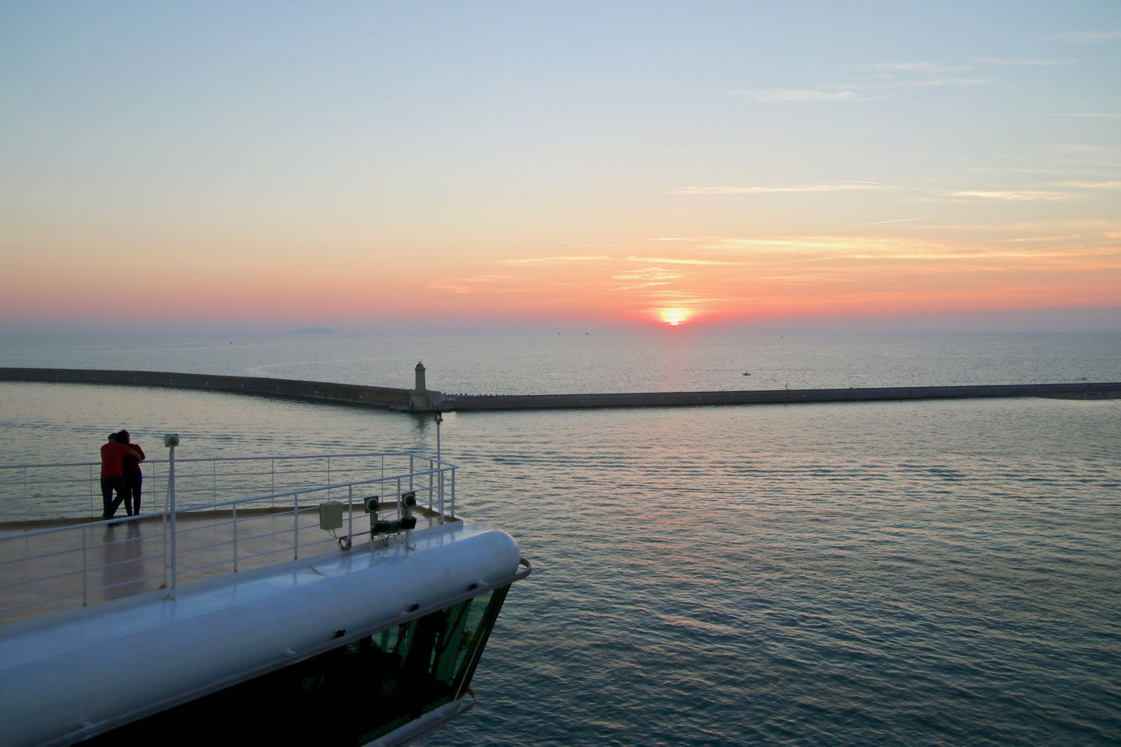 23 Things To Know Before Your First Cruise Holiday - Traveltomtom
