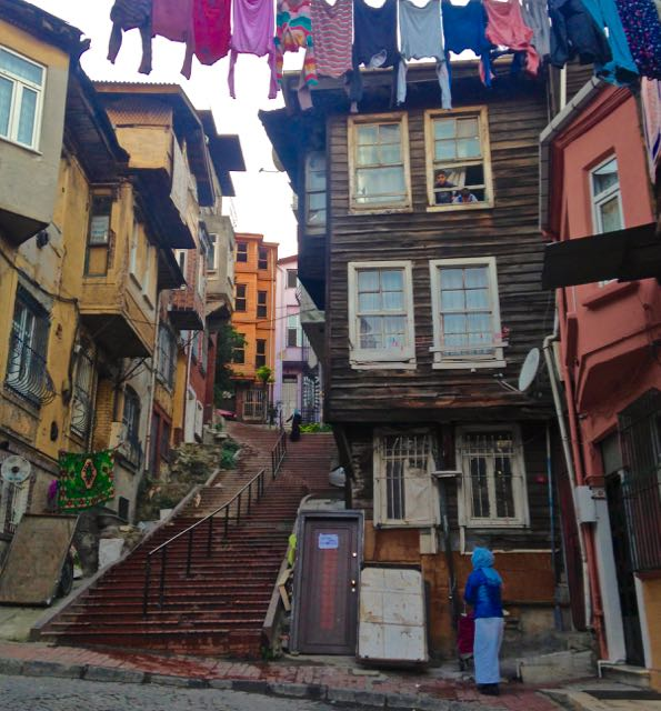 Day At The Track >> Istanbul off the beaten track | walking tour Fener Balat - www.traveltomtom.net